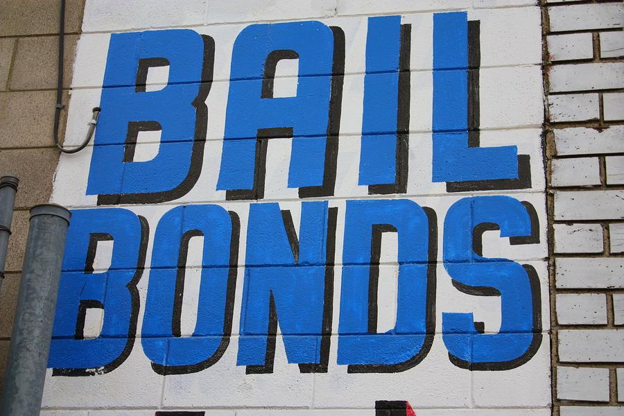 http://221bail.com/wp-content/uploads/Bail-Bond-Agency.jpg